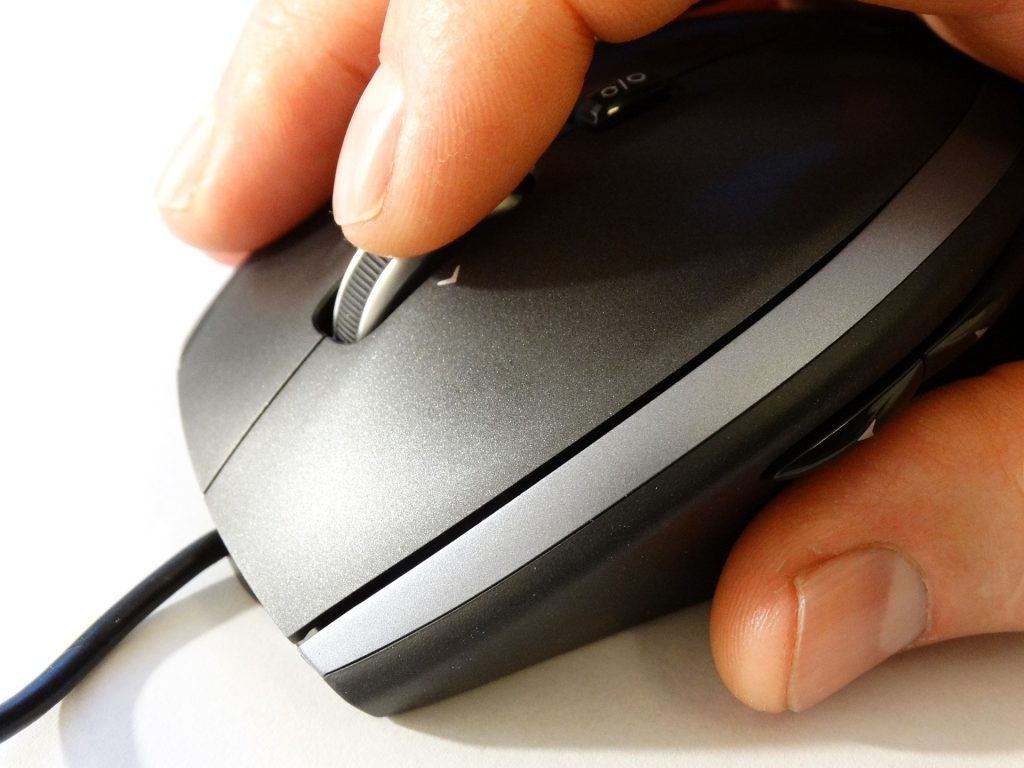 Using a mouse for data transfer and software installs on a replacement computer